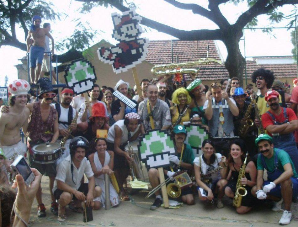 Imagem: arquivo da fã page do Bloco, de 2012.